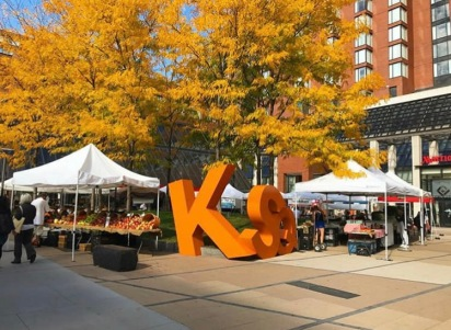 Farmers' Market on Kendall Plaza